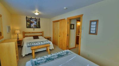 Lodging Glacier National Park, Single Bedroom Cabin Rental